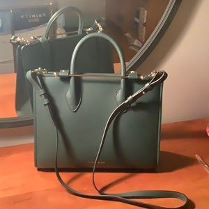 Strathberry Midi tote bottle green